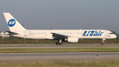 VP-BLT - Boeing 757-28A - UTair Aviation