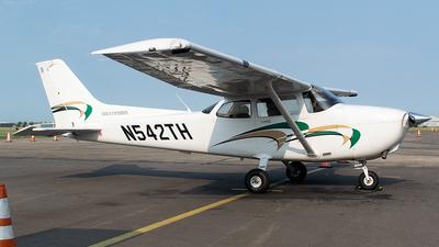 N542TH - Cessna 172S Skyhawk - Inflight Pilot Training