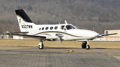 A picture of N327MW - Cessna 414A Chancellor - [414A0531] - © Andrew Hutnyan
