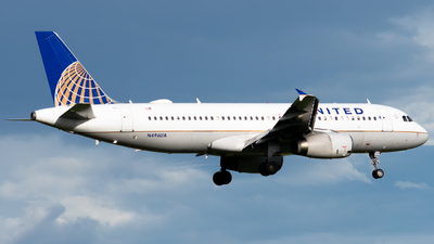 N496UA - Airbus A320-232 - United Airlines