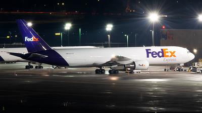 A picture of N187FE - Boeing 767300F(ER) - FedEx - © John Newsome