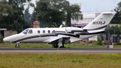 A picture of N17LJ - Cessna 525 CitationJet CJ1 - [5250372] - © Alex Zothique