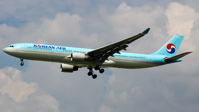 A picture of HL7710 - Airbus A330323 - Korean Air - © Ha Tai Nguyen