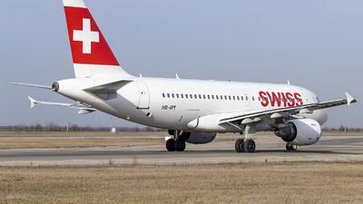 A picture of HBIPT - Airbus A319112 - [0727] - © Loredana Cioclei