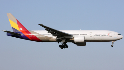 HL7596 - Boeing 777-28E(ER) - Asiana Airlines