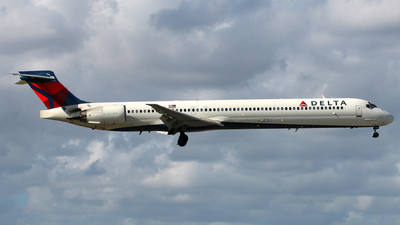 N927DN - McDonnell Douglas MD-90-30 - Delta Air Lines