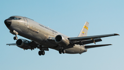 FAC1208 - Boeing 737-4S3(SF) - Colombia - Air Force