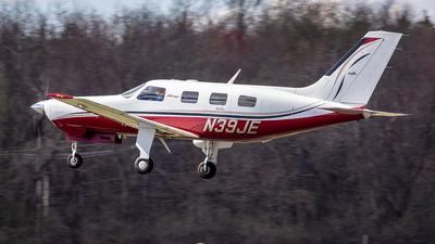 N39JE - Piper PA-46-350P Malibu Mirage - Private