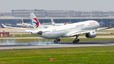 B-300P - Airbus A330-343 - China Eastern Airlines