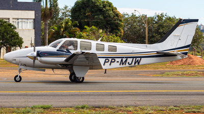 PP-MJW - Beechcraft 58 Baron - Private