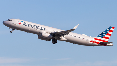 A picture of N131NN - Airbus A321231 - American Airlines - © Brandon Giacomin