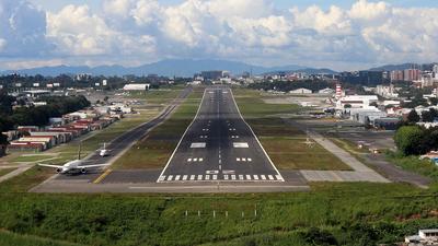 MGGT - Airport - Runway