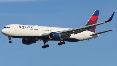 N182DN - Boeing 767-332(ER) - Delta Air Lines