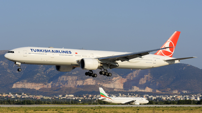 A picture of TCLJJ - Boeing 7773F2(ER) - Turkish Airlines - © Alex Maras