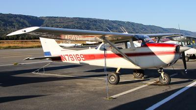 A picture of N79169 - Cessna 172K Skyhawk - [17257932] - © C. v. Grinsven