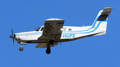 A picture of FHUPE - Piper PA32RT300 Lance 2 - [32R7885200] - © Paul Denton