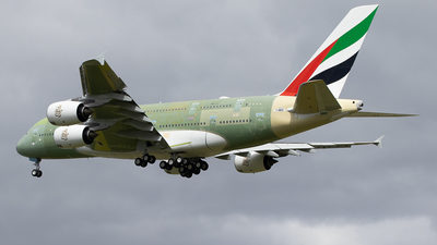 A picture of FWWSH - Airbus A380 - Airbus - © Pierre Pm