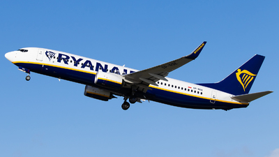 A picture of SPRSE - Boeing 7378AS - Ryanair - © Dominic Hall