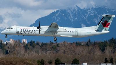 A picture of CGGOF - De Havilland Canada Dash 8400 - Air Canada - © Michal Mendyk