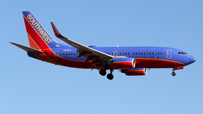 N261WN - Boeing 737-7H4 - Southwest Airlines