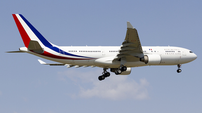 240 - Airbus A330-223 - France - Air Force