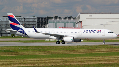 D-AVXX - Airbus A321-211 - LATAM Airlines