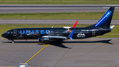 A picture of N36272 - Boeing 737824 - United Airlines - © Gerry Flores