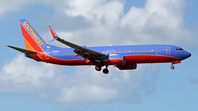 N8628A - Boeing 737-8H4 - Southwest Airlines
