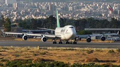 A picture of EPMNB - Boeing 747422 - Mahan Air - © Mohamadreza Zeinloo
