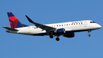 A picture of N290SY - Embraer E175LL - Delta Air Lines - © Kaz T
