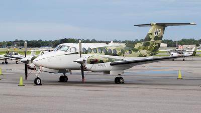 N820UP - Beechcraft B300 King Air 350i - Wheels Up