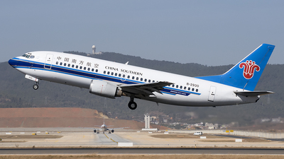 B-2930 - Boeing 737-31L - China Southern Airlines