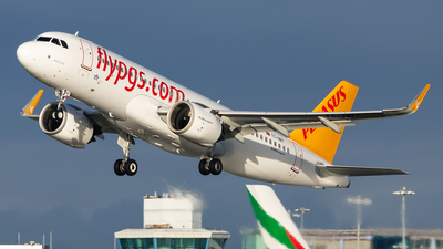 A picture of TCNBT - Airbus A320251N - Pegasus Airlines - © Colin Hines