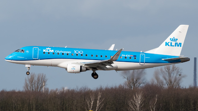 A picture of PHEXI - Embraer E175STD - KLM - © Chris de Breun