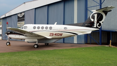 ZS-KGW - Beechcraft 200 Super King Air - Private