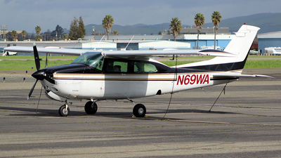 A picture of N69WA - Cessna T210N Turbo Centurion - [21064707] - © Jamie West
