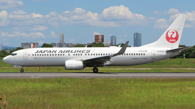 A picture of JA342J - Boeing 737846 - Japan Airlines - © AYAHA