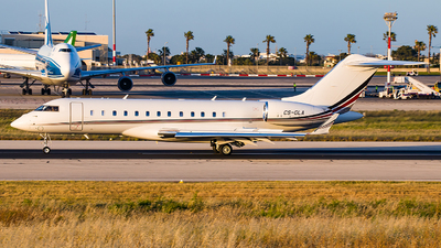 CS-GLA - Bombardier BD-700-1A10 Global 6000 - NetJets Europe