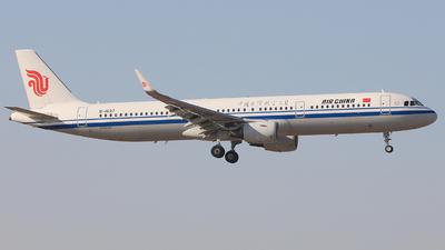 B-1637 - Airbus A321-213 - Air China