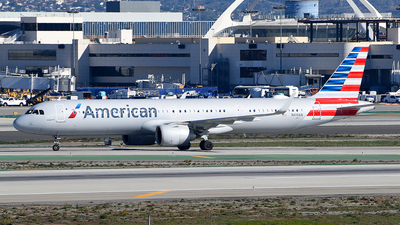 A picture of N410AN - Airbus A321253NX - American Airlines - © Rocky Wang