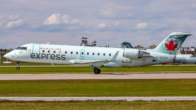 C-GTJA - Bombardier CRJ-200ER - Air Canada Express (Jazz Aviation)