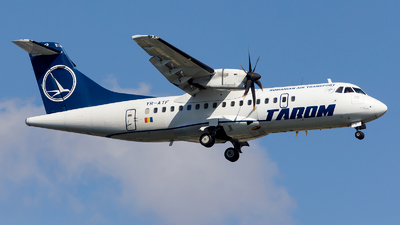 YR-ATF - ATR 42-500 - Tarom - Romanian Air Transport