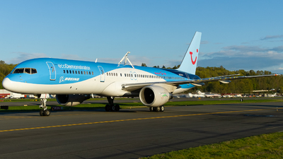 N757ET - Boeing 757-222 - Boeing Company