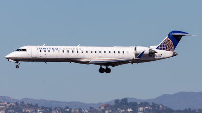 A picture of N784SK - Mitsubishi CRJ701ER - United Airlines - © Brandon Giacomin