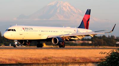 N373DX - Airbus A321-211 - Delta Air Lines