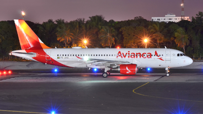 PR-AVQ - Airbus A320-214 - Avianca Brasil