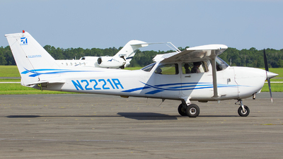 N2221R - Cessna 172R Skyhawk - Private