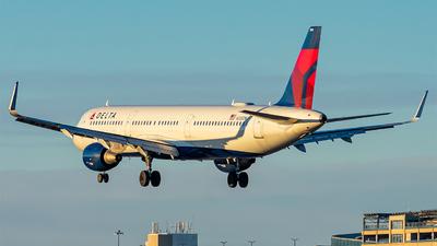 N335DN - Airbus A321-211 - Delta Air Lines