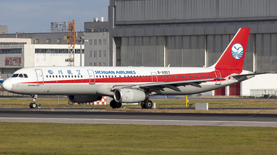 A picture of B6957 - Airbus A321231 - Sichuan Airlines - © Eric Wang