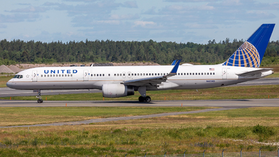 A picture of N41140 - Boeing 757224 - United Airlines - © Stefan Kronqvist